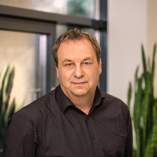 Mitarbeiter Bernhard Doll