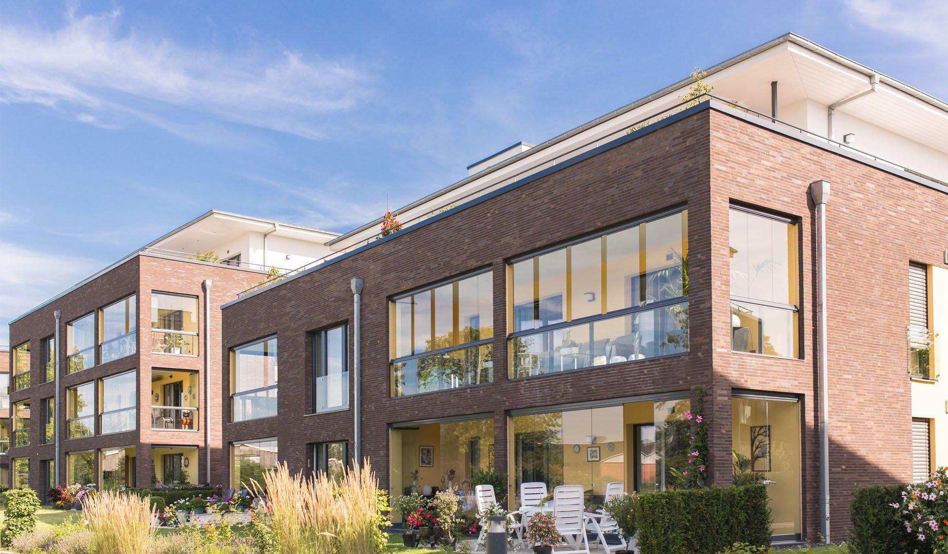 Wohnhäuser mit Gartenanlagen